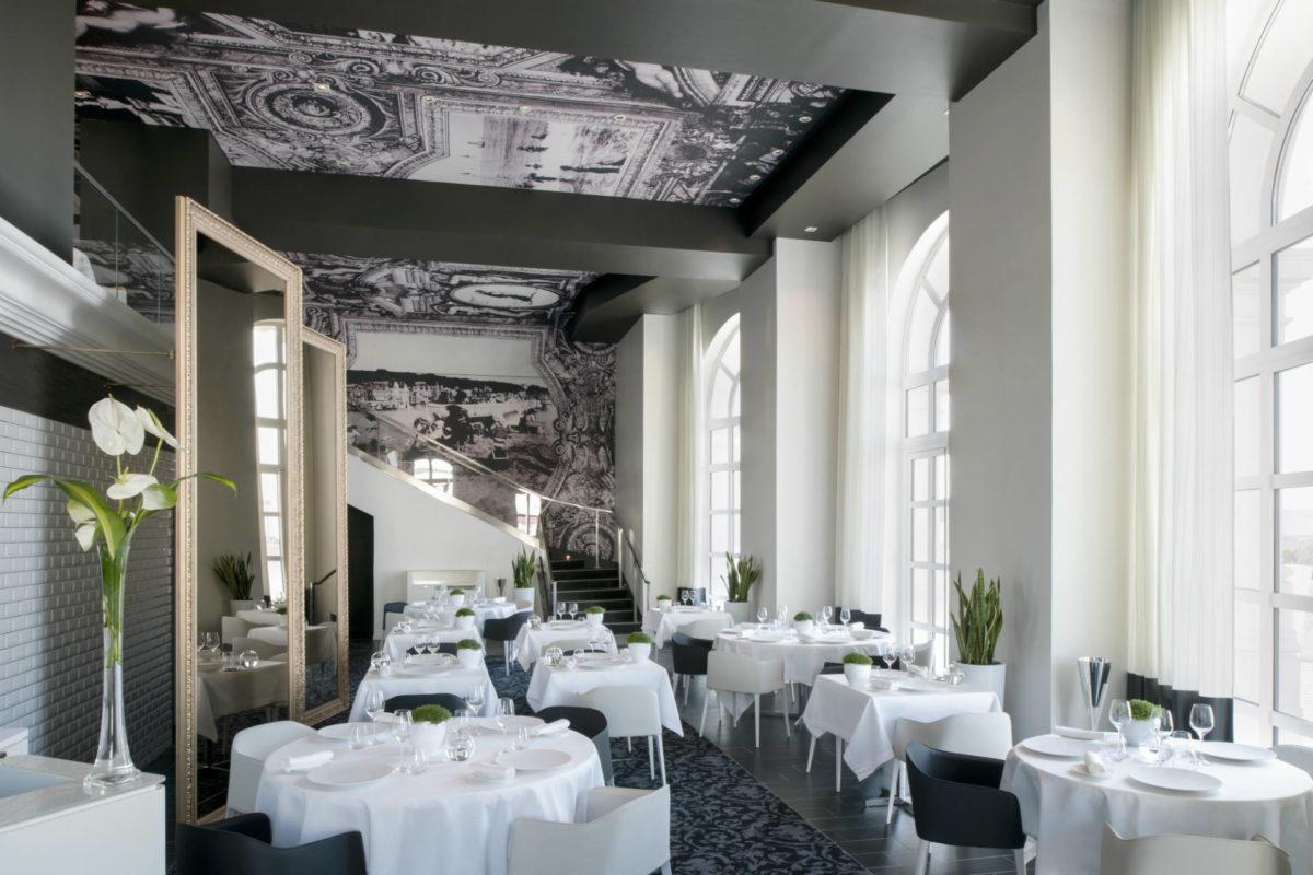 Tables du restaurant le 1912 où Johan Thyriot est le chef cuisinier