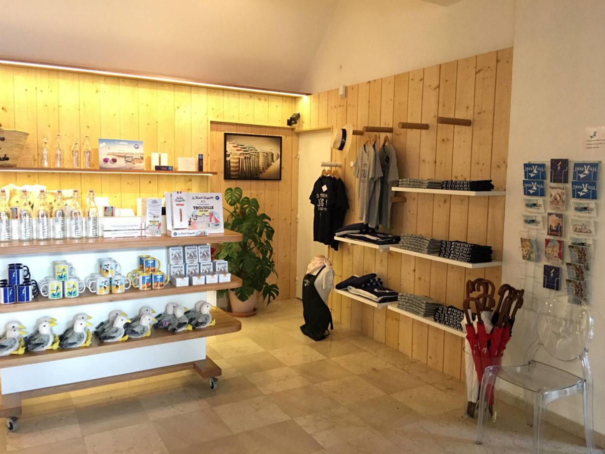 Boutique de l'office de tourisme de Trouville-sur-Mer
