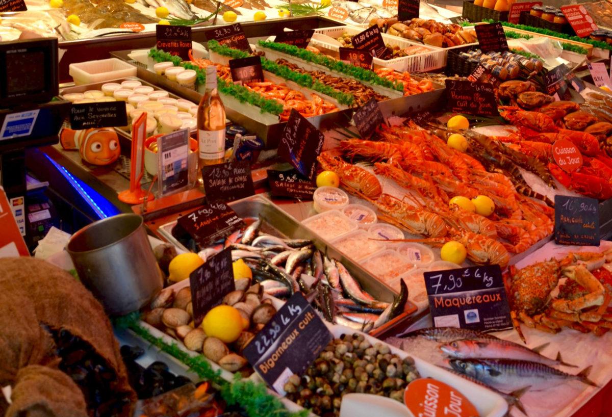 étals-marché-aux-poissons
