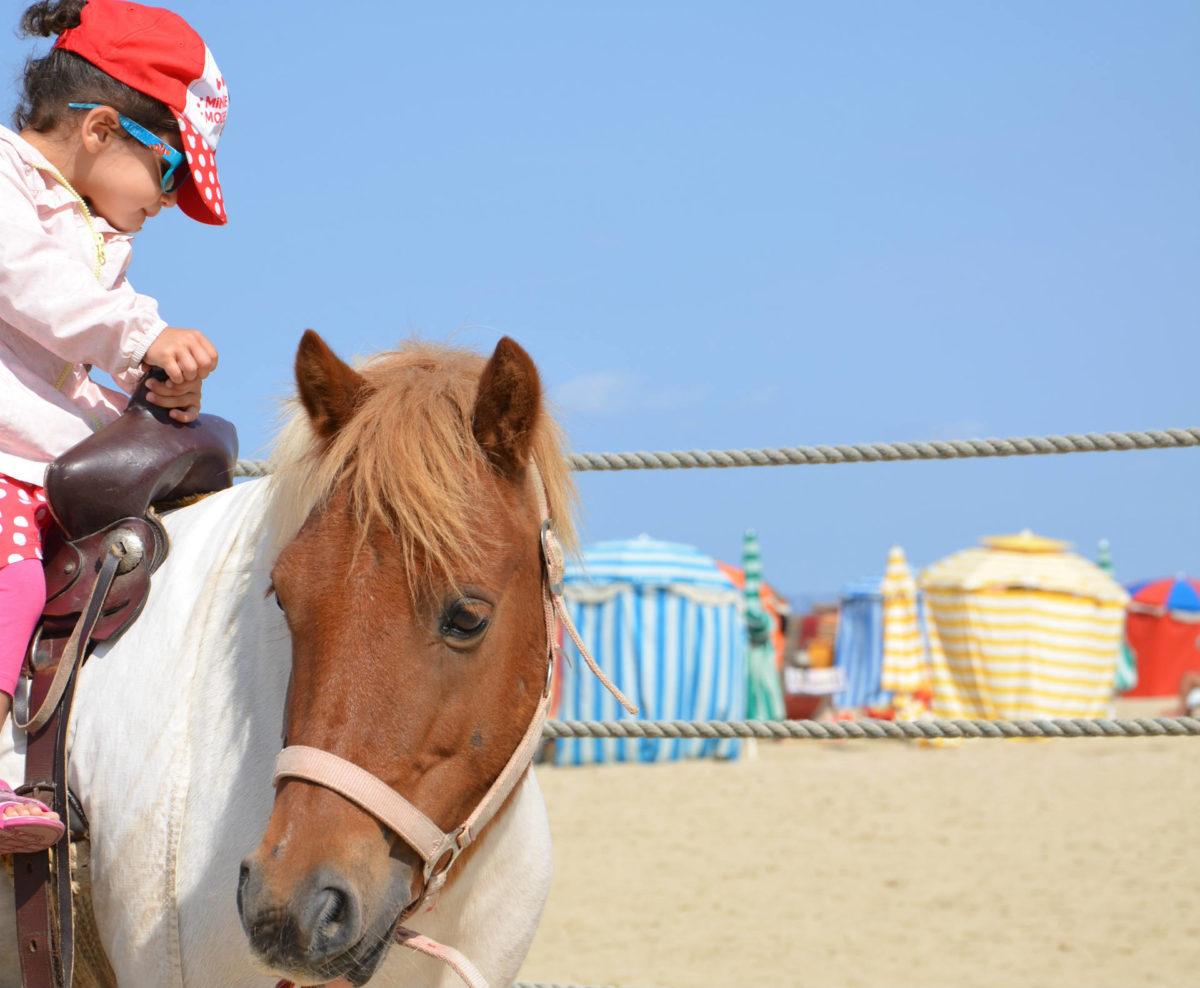 Enfant sur poney - Plage de Trouville-sur-Mer