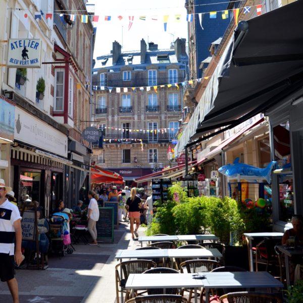 La Rue des Bains et ses alentours