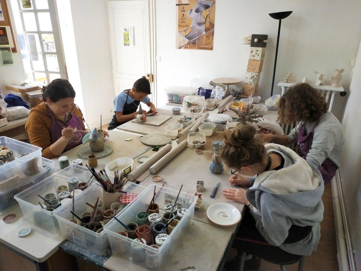 atelier autres terres poterie ceramique trouville deauville