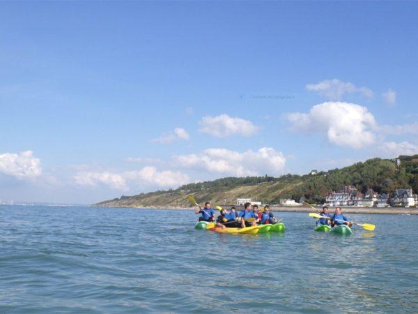 Randonner en kayak au pied des Roches Noires