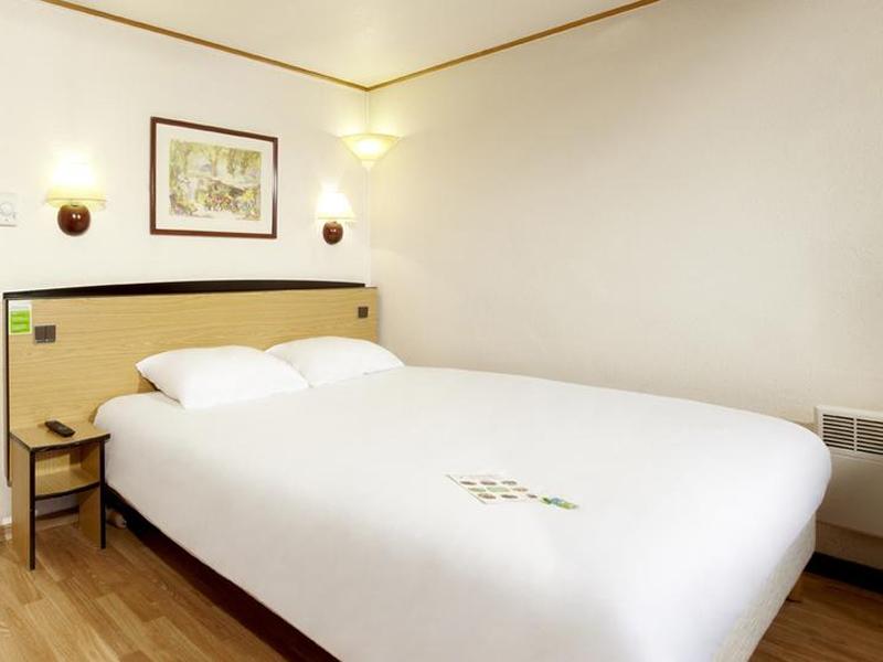 Campanile—Deauville-St-Arnoult—chambre1-800X600