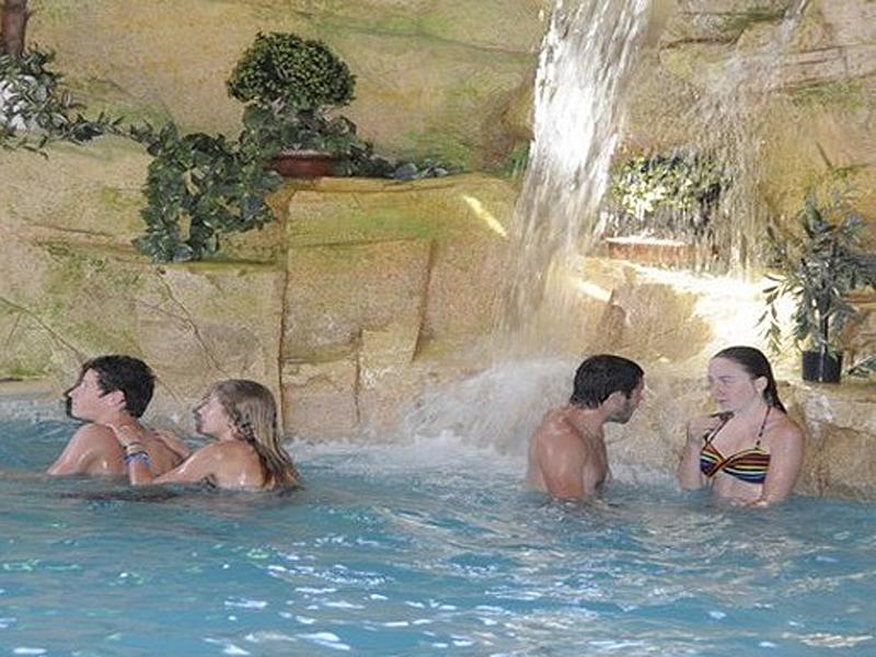 Camping-de-la-Bruyere—Villerville—piscine-800X600