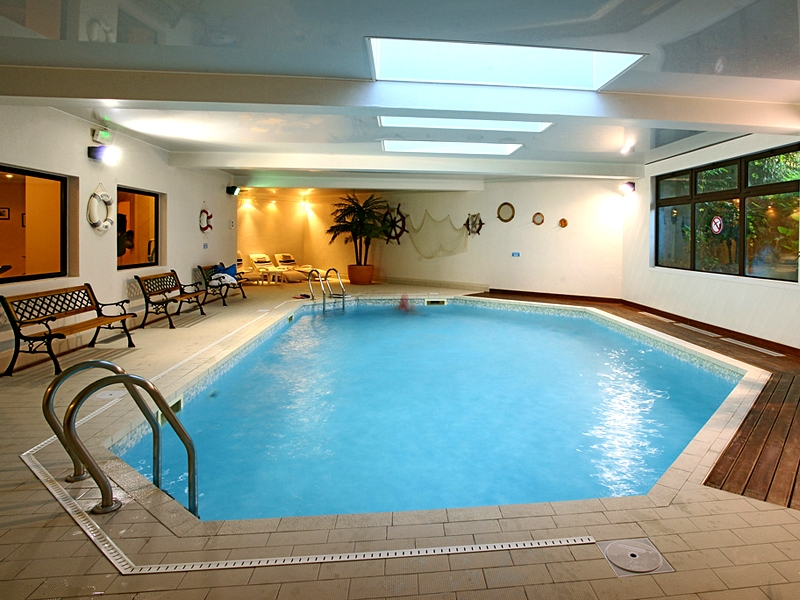 Hostellerie-du-Vallon—Trouville—piscine-800X600
