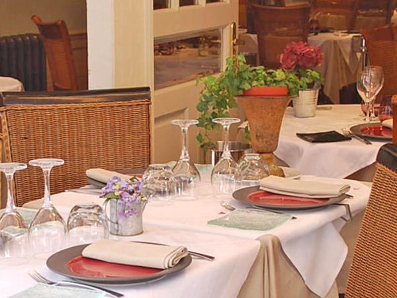 Hotel-Entre-Terre-et-Mer—Honfleur—restaurant-800X600