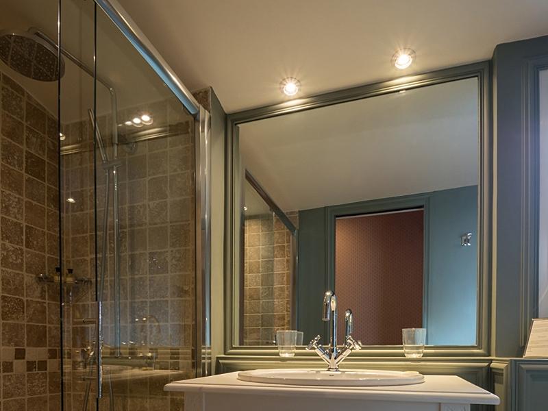 Hotel-St-James—Trouville—salle-de-bain-800X600