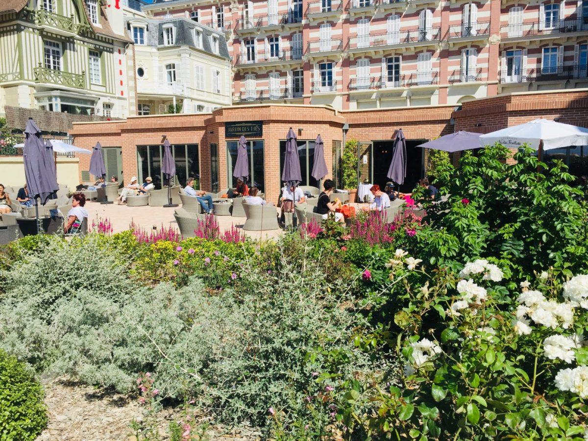Jardin-des-Thes-terrasse