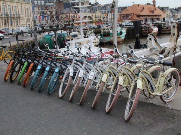Visite commentée de Deauville-Trouville à vélo ou en Rosalie