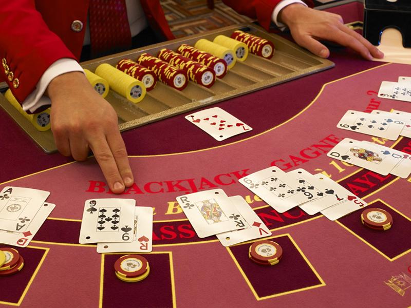 TROUVILLE-SUR-MER-Casino-Ba-2