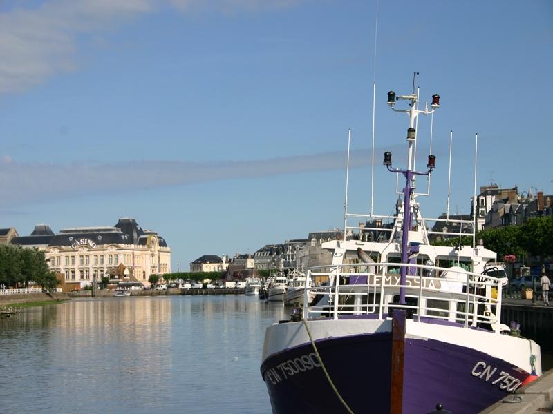 bateau-au-port-2