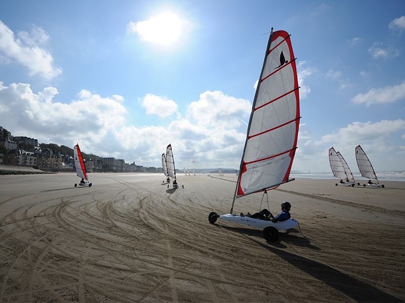 char-a-voile-trouville-cnth-2-57616847821c4f15ad505308f02ae760
