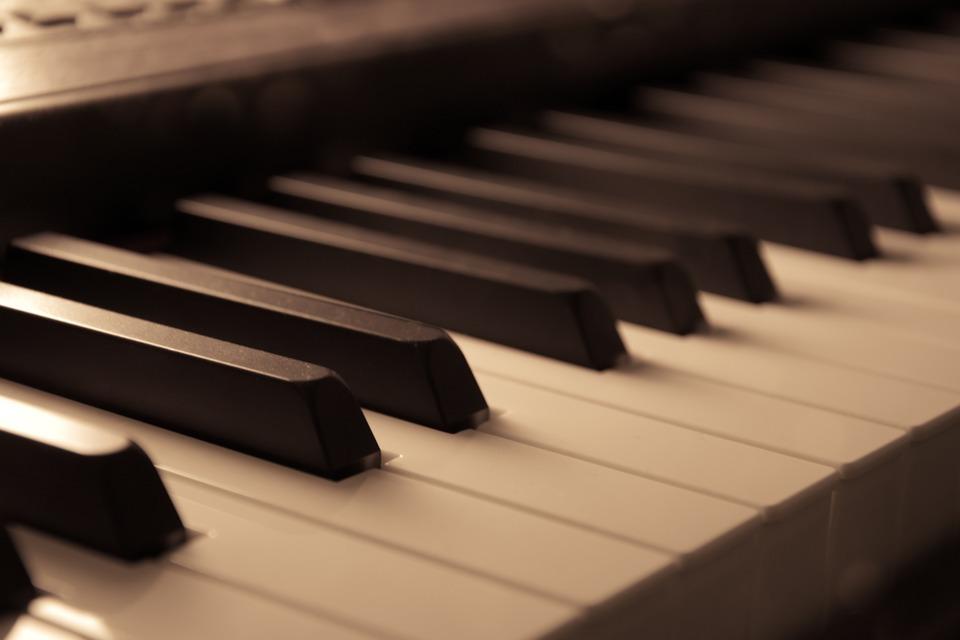 piano-3717165-960-720