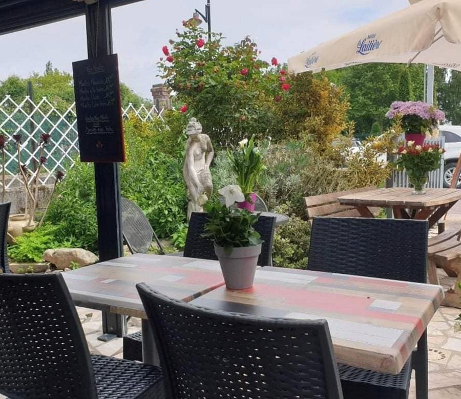 table-Jardin-des-Peintres